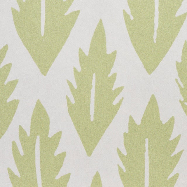 Schumacher Sample - Schumacher x Molly Mahon Leaf Wallpaper in Grass Green For Sale - Image 4 of 5