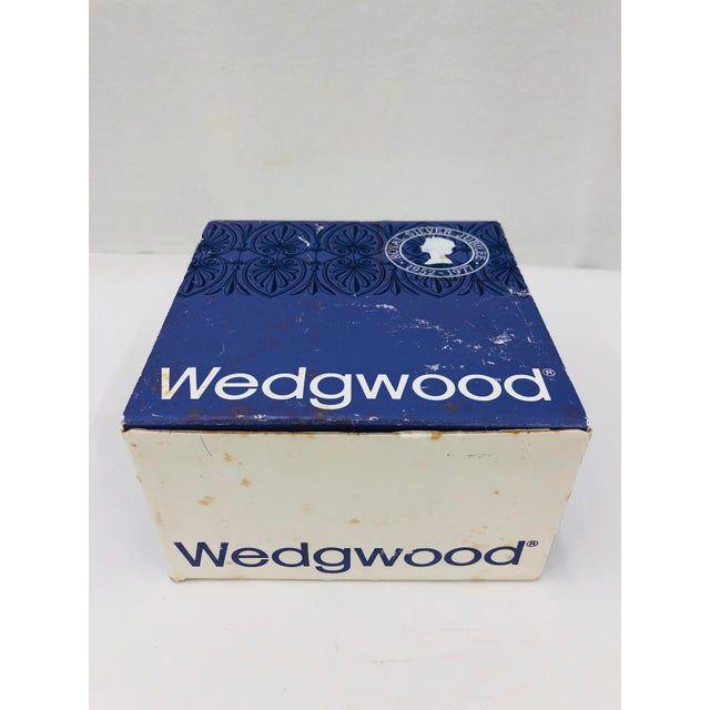 Ceramic Vintage Wedgewood Commemorative Box For Sale - Image 7 of 8