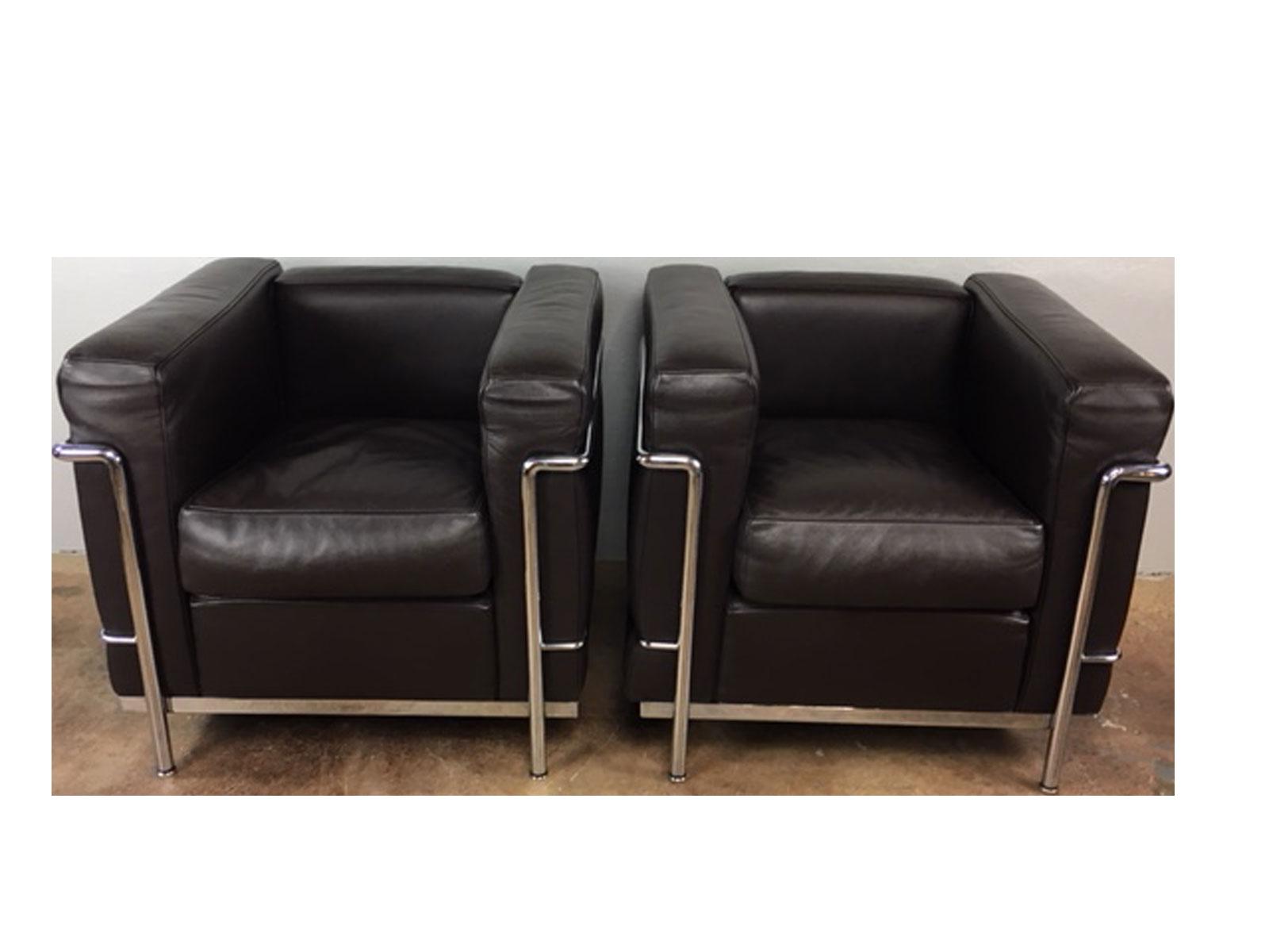 Cassina LeCorbusier Lc2 Club Chairs   A Pair