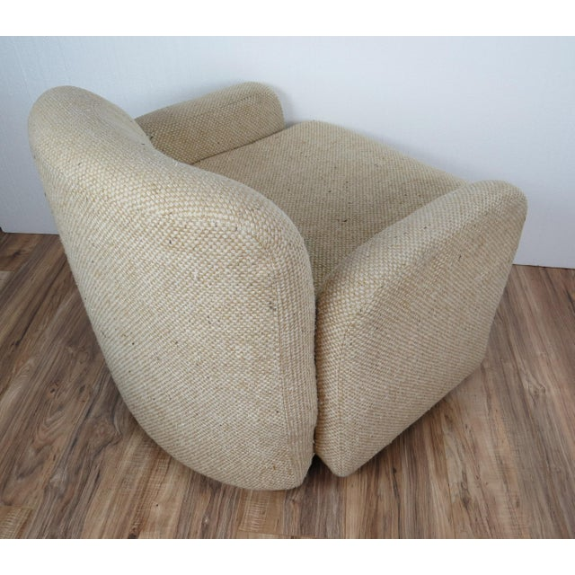 Beige 1970s Mid-Century Modern Wool Tweed Swivel Chairs by Preview - a Pair For Sale - Image 8 of 13