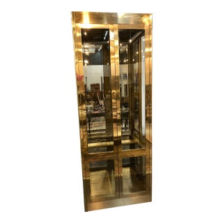 Mastercraft Brass & Glass Hollywood Regency Illuminated Display Cabinet For Sale