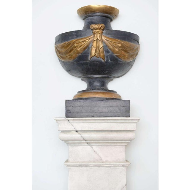 Pair of Italian Neoclassic Painted and Parcel-Gilt Urns on Pedestals For Sale - Image 4 of 8
