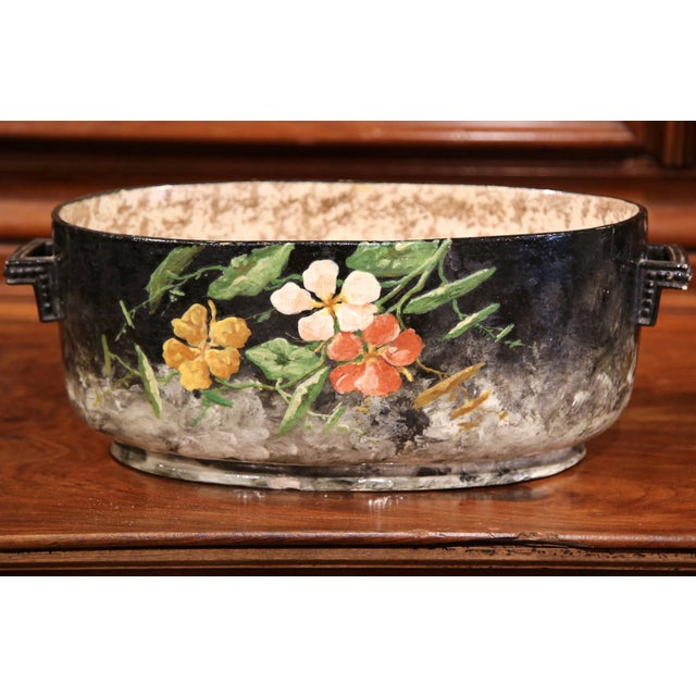 French Early 20th Century French Handpainted Jardiniere from Montigny sur Loing For Sale - Image 3 of 9