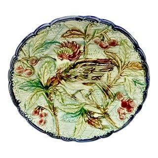 Traditional Green Majolica Ceramic Bird Plate For Sale