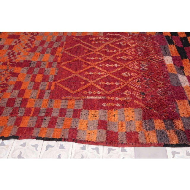 "Boho Chic Vintage Boujad Moroccan Rug - 6'1"" x 7'6"" For Sale - Image 3 of 4"