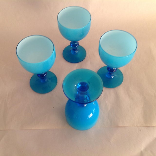 Italian Murano Opaline Milk Glass Cordial Glasses by Carlos Moretti - Set of 4 For Sale - Image 3 of 4