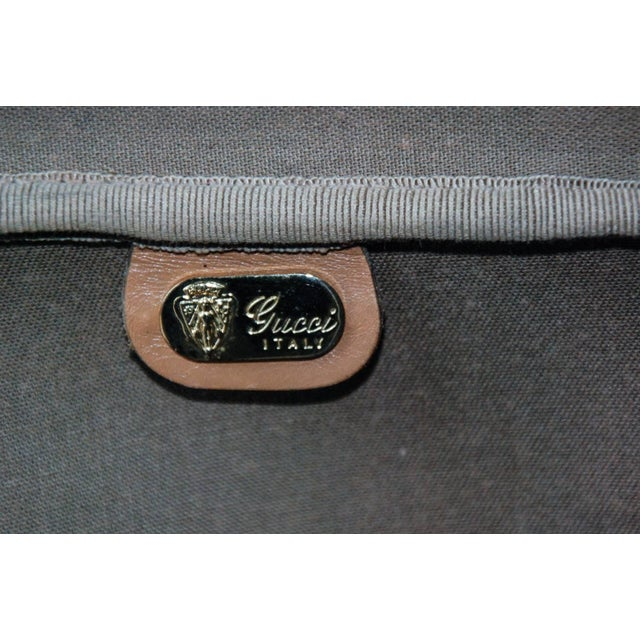 1970 Gucci Leather and Fabric Logo Suitcase With Brass Insignia For Sale In Richmond - Image 6 of 11