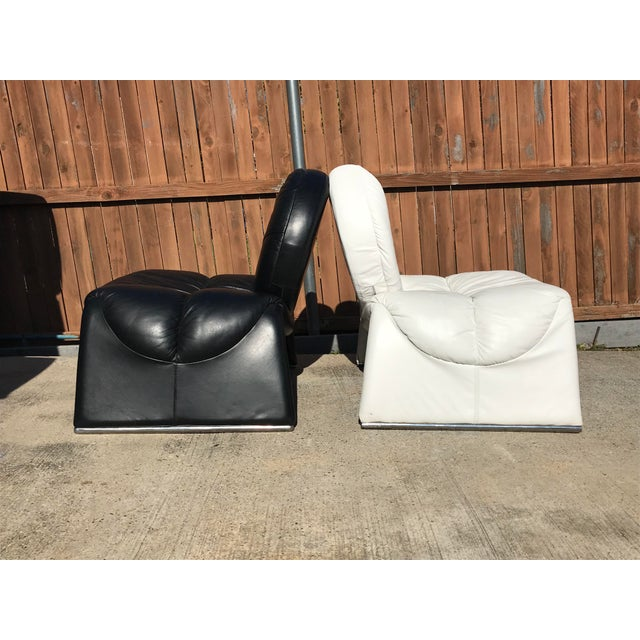 1970s Black and White Vintage Leather Italian Lounge Chairs - a Pair For Sale - Image 5 of 12