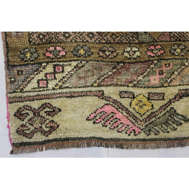 "Traditional Turki̇sh Wool Rug - 2'7"" x 11'3"" - Image 4 of 8"