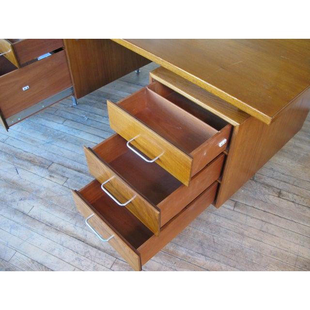 Jens Risom Design 1950s Mid-Century Modern Walnut Executive Desk by Jens Risom For Sale - Image 4 of 8