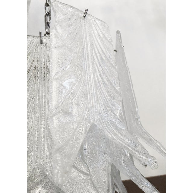 1960s 1960s Vintage Mazzega Graniglia Leaves Layered Murano Glass Chandelier For Sale - Image 5 of 7