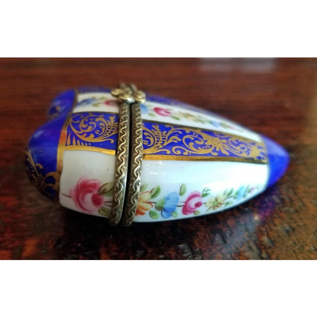 Ceramic 19th Century French Porcelain Limoges Heart Shaped Box For Sale - Image 7 of 12