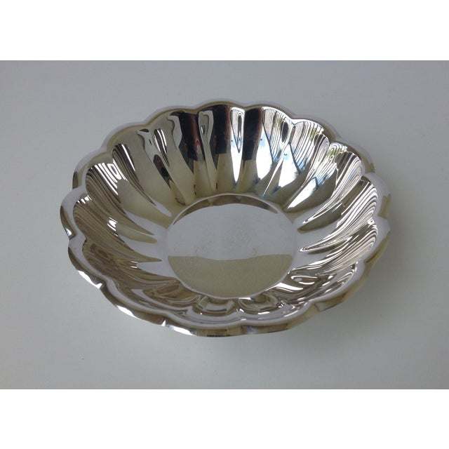 Reed & Barton Reed & Barton Silverplated Fluted Bowl For Sale - Image 4 of 7