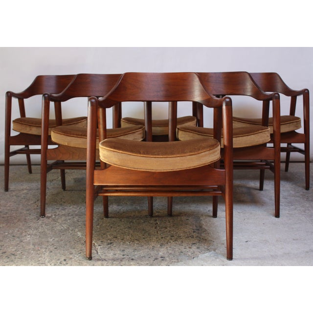 Mid-Century Modern Set of Six W.H. Gunlocke Sculptural Walnut Armchairs For Sale - Image 3 of 10