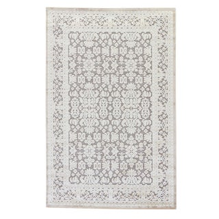 Jaipur Living Regal Damask Gray/ White Runner Rug - 2′6″ × 8′ For Sale