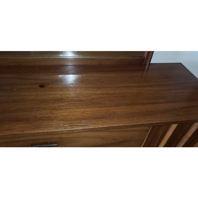 Kent Coffey 1960s Mid-Century Modern Walnut Credenza For Sale - Image 4 of 9