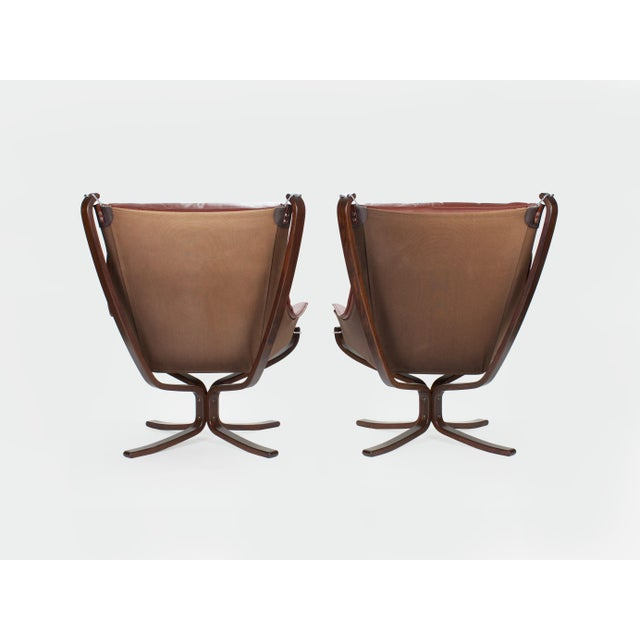 Vatne Møbler 1970s Sigurd Resell for Vatne Møbler Falcon Lounge Chairs- A Pair For Sale - Image 4 of 13