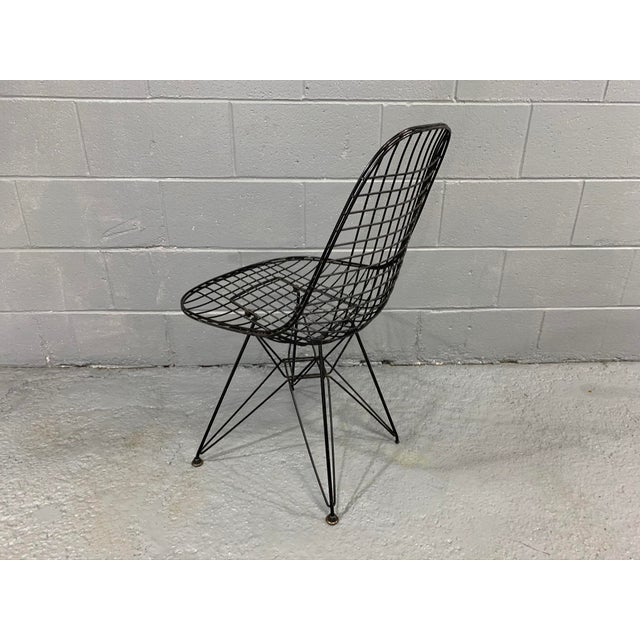 Herman Miller Charles Eames Wire Eiffel DKR Chair in Black Coated Metal For Sale - Image 4 of 10