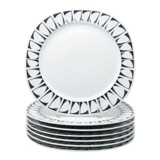 Vintage Graphic Studio Dinner Plates With Black White Design - Set of 7 For Sale
