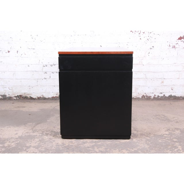 Early Edward Wormley for Dunbar Walnut and Black Lacquered Kneehole Desk, 1940s For Sale - Image 10 of 13