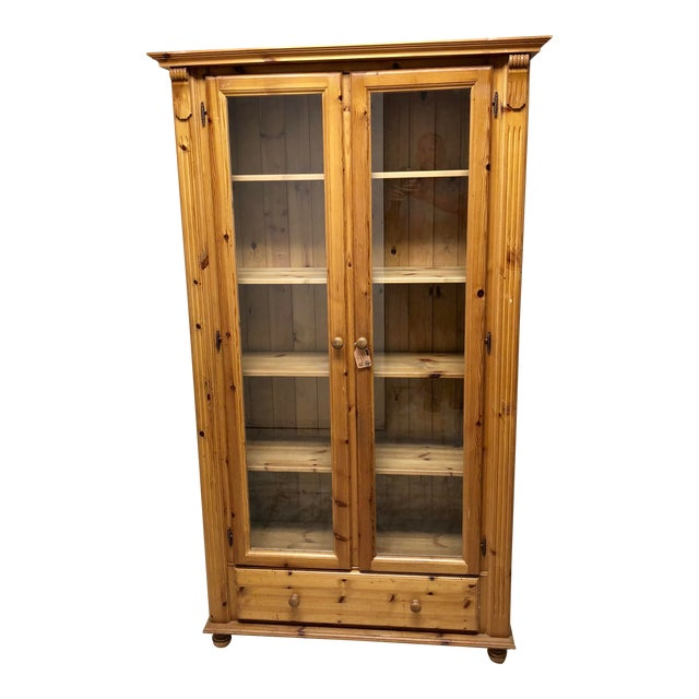 1900s American Classical Pine Glass Front Bookcase For Sale