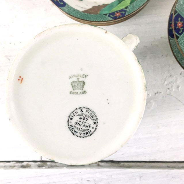 John Aynsley John Aynsley 1910s Asian Inspired English China Finger Bowls With Under Plates and Syrup Pitcher - 12 Piece Set For Sale - Image 4 of 12