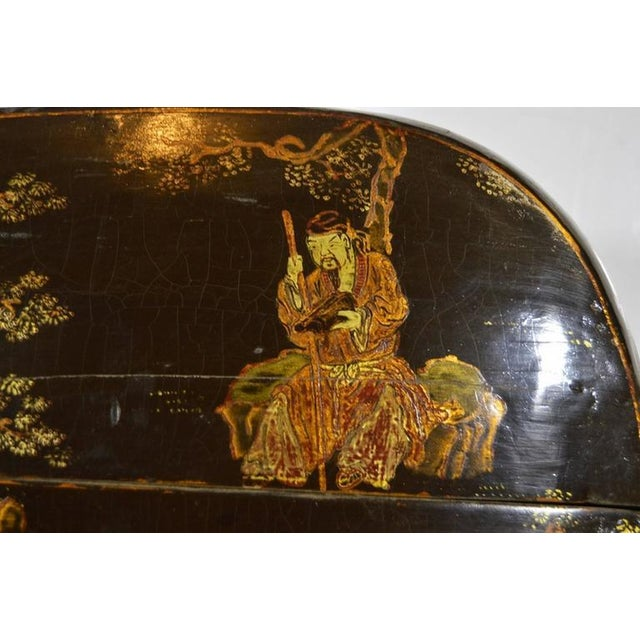 Hand-Painted and Lacquered Wedding Box with Flowers from, China, 19th Century For Sale - Image 9 of 10