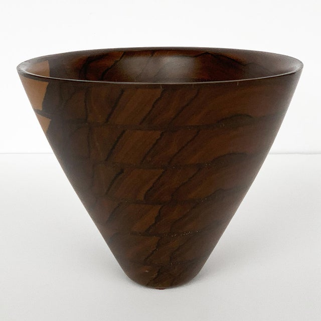 1980s Peter Petrochko Carved Padauk and Ziricote Wood Bowl For Sale - Image 5 of 13