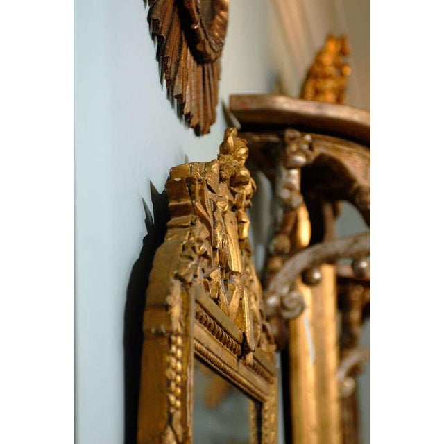 French 19th Century Gilded Carved Mirror With Bird and Rose Motifs For Sale - Image 10 of 11