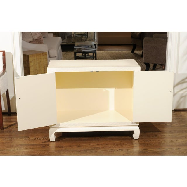 Fabulous Restored Pair of Cream Raffia Cabinets by Baker, circa 1975 For Sale - Image 10 of 11