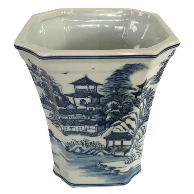 Chinoiserie Blue & White Chinoiserie Porcelain Cachepot Planter For Sale - Image 3 of 5