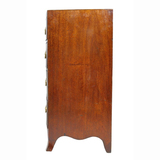 George III Mahogany and Inlaid Bowfront Chest of Drawers For Sale - Image 9 of 11
