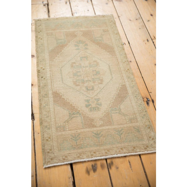 "1980s Vintage Distressed Oushak Rug Mat - 1'7"" X 3' For Sale - Image 5 of 6"