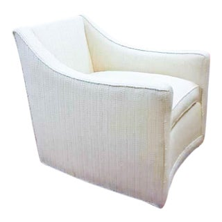 Mid Century Swivel Chair in Off White Boucle Upholstery For Sale