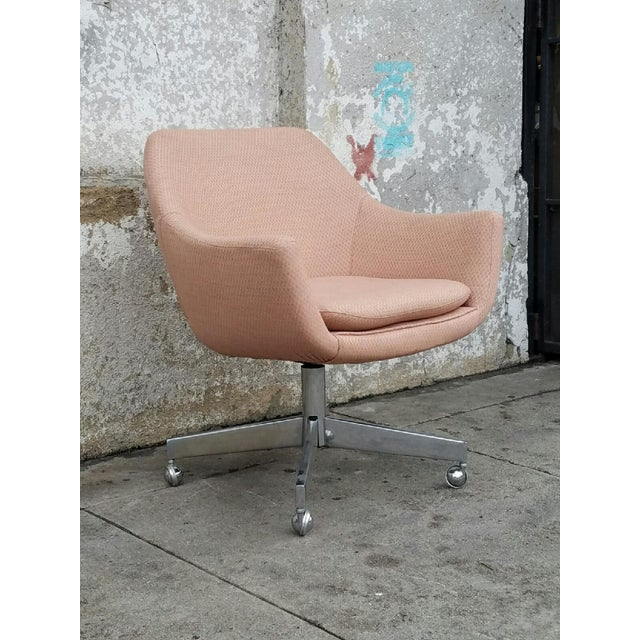 Vintage Mid-Century Pastel Pink Executive Office Chair - Image 4 of 4