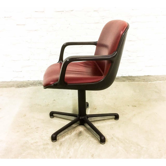 Red Set of 8 Mid-Century Burgundy Red Leather Executive Chairs by Comforto For Sale - Image 8 of 11