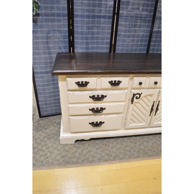 Thomasville Shabby Cottage Chic Dresser - Image 4 of 11