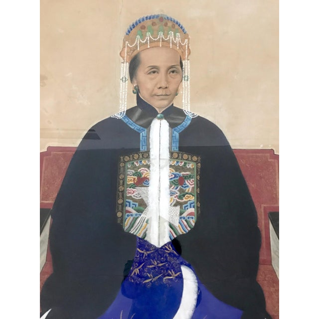 Large painting of a noble lady from Guangzhou, southern China. Depicts a mature lady of high standing, in formal fine silk...
