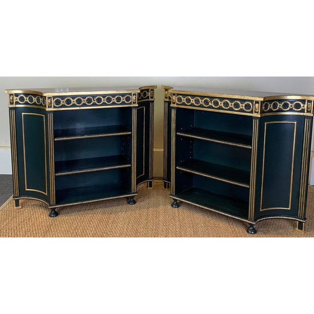 Traditional Pair of Regency Style Bookcases For Sale - Image 3 of 12