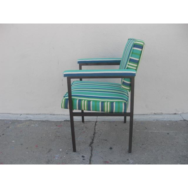 Mid-Century Modern Mid-Century Modern Reupholstered Striped Steelcase Armchair For Sale - Image 3 of 9