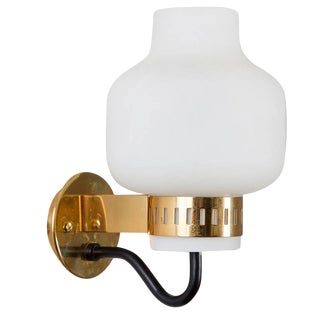 1965 Stilnovo '2030' Brass & Glass Sconce For Sale