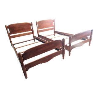 1940s Vintage Cushman Twin Beds - a Pair For Sale