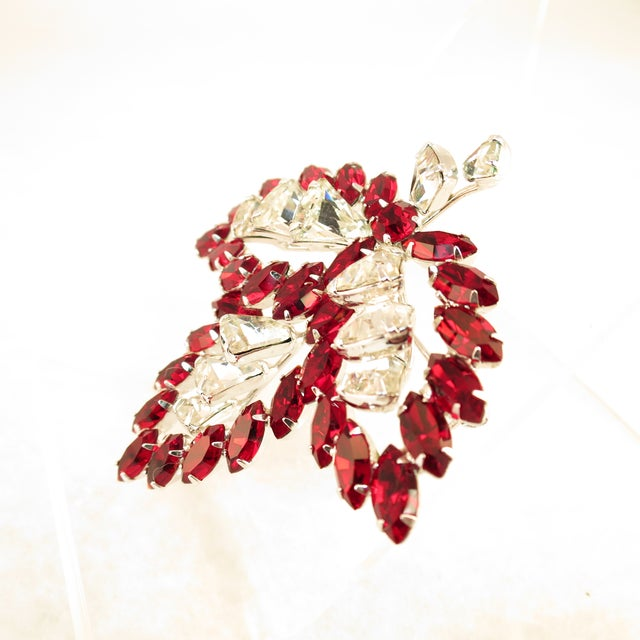 Vendome Vendome Ruby Crystal Leaf Brooch 1950s For Sale - Image 4 of 12