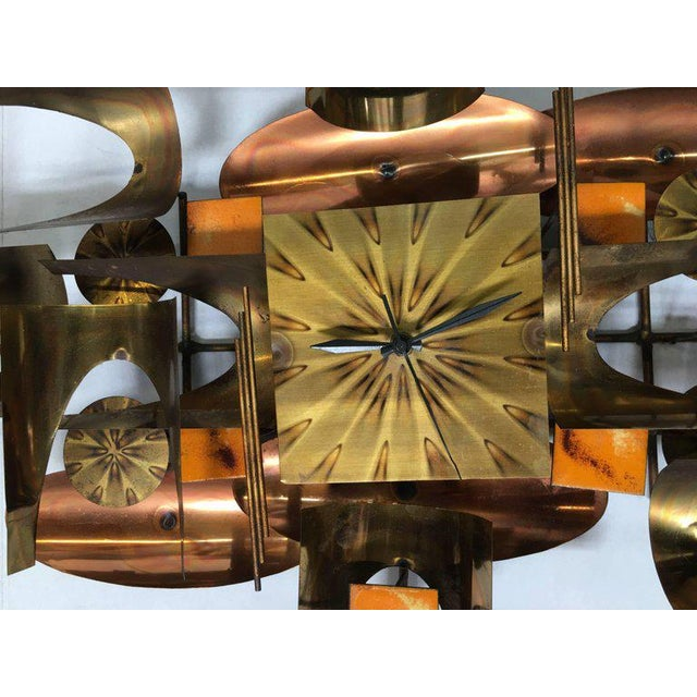 Brutalist William Vose for Curtis Jere Brass and Copper Brutalist Wall Sculpture Clock For Sale - Image 3 of 10