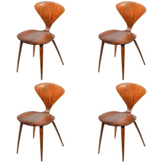 Set of Four Early Norman Cherner Dining Chairs in Walnut for Plycraft For Sale