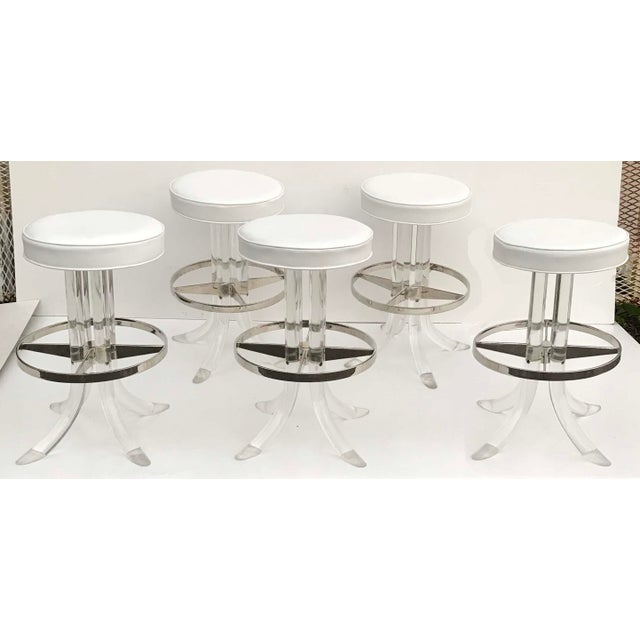 1970s Vintage Swiveling Lucite Bar Stools- Set of 5 For Sale In Miami - Image 6 of 6
