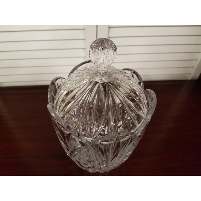 1980s Traditional Crystal Biscuit Jar For Sale - Image 4 of 7