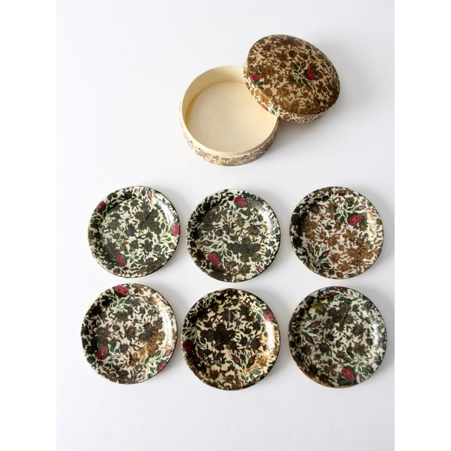 White Vintage Highmount Quality Coasters Box Set For Sale - Image 8 of 14