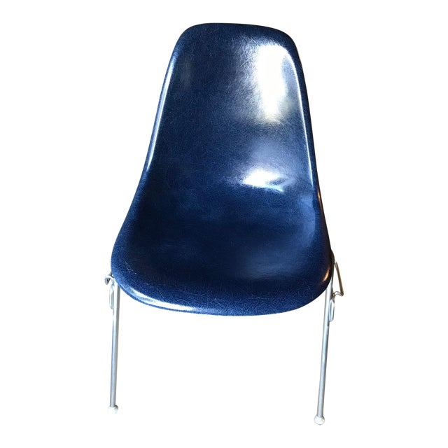 1960s Vintage Herman Miller Eames Navy Shell Chair For Sale