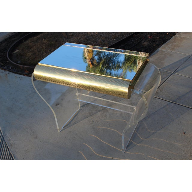 Hollywood Regency Mid Century Modern Gold and Lucite Vanity For Sale - Image 3 of 10